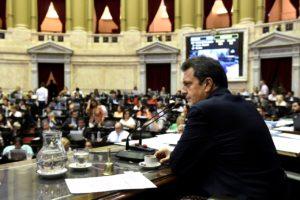 Diputados y senadores congelan sus dietas por seis meses