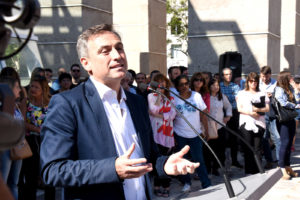 Al inaugurar la nueva Plaza España, Mestre defendió su gestión