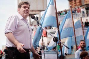 Montenegro se bajó el sueldo un 20% y ordenó un 15% para la planta política