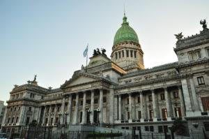 El Gobierno albertista convocó a sesiones extraordinarias del Congreso