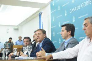 El gobierno radical de Mendoza frenó la polémica reforma a ley de minería