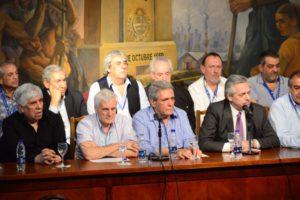 Sindicatos resisten las sumas fijas impulsadas por el Gobierno albertista