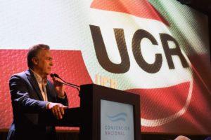 """El titular de la UCR criticó al Gobierno albertista por su """"ensañamiento» impositivo sobre la clase media"""