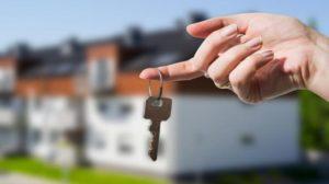 Por los créditos UVA, hipotecados se movilizan en todo el país