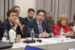 Trotta reafirmó el compromiso de cumplir las leyes vigentes en materia educativa