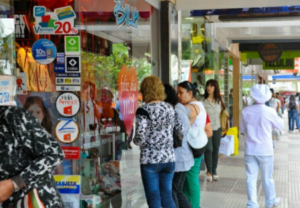 Comerciantes cordobeses se suman al pedido para extender el plazo de circulación de los billetes de 5 pesos