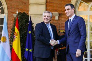 Alberto F. agradeció el «sincero apoyo» de Pedro Sánchez en la renegociación con el FMI