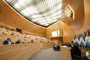 El oficialismo (en soledad) aprobó convenio para la instalación de 15 mil luminarias LED en la ciudad