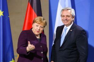 Fernández recibió el respaldo de Merkel por la renegociación de la deuda
