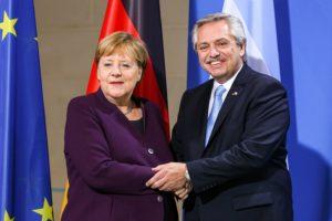 """Ante Merkel, Alberto F. afirmó que Alemania es """"un modelo que miramos de cerca"""""""