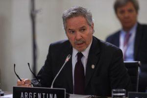 Que Gómez Alcorta diga que hay presos políticos «mete ruido», advirtió Solá