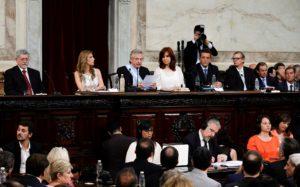 Con temas sensibles en su discurso, Alberto F. abre las sesiones del Congreso
