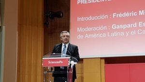 """Fernández aseguró que tiene «un plan» económico, pero que no lo cuenta porque está «jugando al póquer y no con chicos"""""""