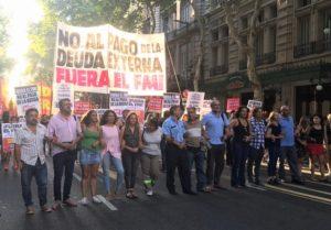 Con protesta en Plaza de Mayo, la Izquierda rechazó el «pacto» del Gobierno y el FMI