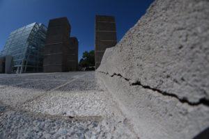 Plaza España: Ante falencias edilicias, el municipio intimó a la empresa por plan de remediación