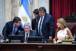 Por unanimidad, el Senado aprobó la nueva ley para renegociar la deuda externa