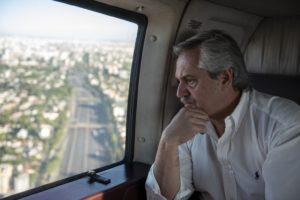 Alberto F. exhortó a quedarse «en casa» para mitigar la pandemia