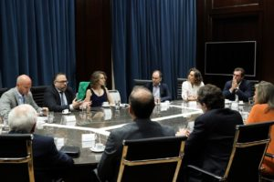 Kulfas se reunió con Bodegas de Argentina para potenciar exportaciones