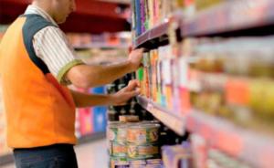 Bono extra y boleto gratuito para empleados de supermercados y comercios exceptuados de la cuarentena