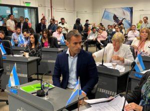 Municipio: Negri propone reducir en un 50% el sueldo de funcionarios y concejales