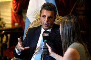 «Vamos a buscar consensos para que la Argentina salte la grieta», dijo Massa