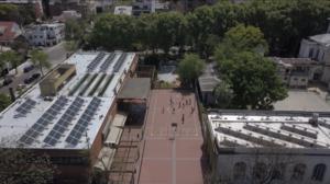La primera escuela del país que vuelca energía a la red eléctrica