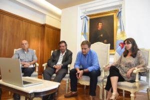 Por el COVID-19, el gobernador mendocino recortó los salarios de funcionarios durante el mes de marzo