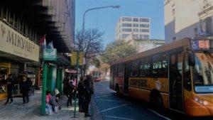 En Córdoba, el transporte público sólo podrá circular con pasajeros sentados
