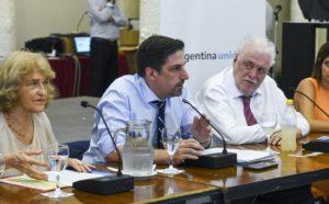 El Gobierno evalúa extender la suspensión de las clases ante la pandemia de COVID-19
