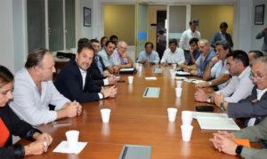 Intendentes radicales en Casa Rosada con funcionarios albertistas