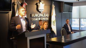 Por la emergencia sanitaria por el Covid-19, Llaryora lanzó la aplicación «Vecino Salud»