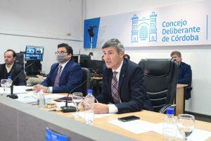 Con los votos del oficialismo, el Concejo aprobó el recorte salarial de los empleados municipales