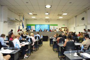 La oposición demanda que se retomen las sesiones y las comisiones presenciales en el Concejo