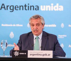 Fernández prepara un plan para activar una serie de actividades para la cuarta fase de la cuarentena