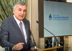 El gobernador Morales (UCR) respaldó la idea K sobre el «aporte extraordinario» de las grandes fortunas
