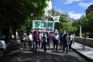 Al rechazar el recorte salarial, el Suoem activa medidas de fuerzas y califica de «antiobrera» a la gestión Llaryora