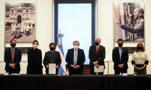 Junto a tres gobernadores peronistas, Fernández dijo que «poco a poco estamos construyendo esta Argentina más igualitaria»