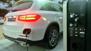 Piden que se prorroguen las alícuotas reducidas para importación de vehículos híbridos y eléctricos