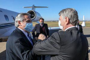 """Con Macri como Presidente, """"estaríamos cavando fosas como Bolsonaro"""", dijo el gobernador peronista Ziliotto"""