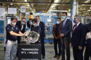 Calvo, Kulfas y Llaryora encabezaron acto en la planta de Volkswagen que producirá una nueva caja de cambios para la exportación