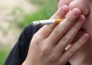Los fumadores tienen un mayor riesgo de complicaciones en caso de contraer el Covid-19