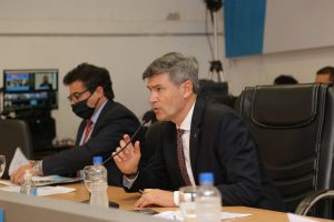 Passerini le salió al cruce a Mestre por sus críticas al sistema de salud pública