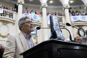 Siguen los cruces entre dirigentes políticos por la jubilación de Pihen en medio del recorte previsional