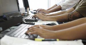 Encuesta revela las condiciones en que empleados de la administración nacional desarrollan su trabajo remoto