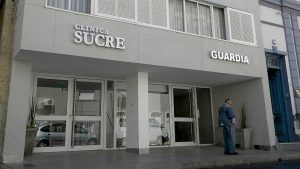 Confirman nueve médicos contagiados en la Clínica Sucre