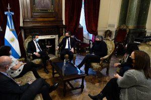 Ante diputados, Cafiero pidió terminar con el «discurso del odio» que incita «al golpismo contra un gobierno»