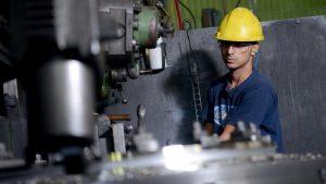 El empleo privado registrado cayó 1,6% en abril, primer mes completo de cuarentena estricta