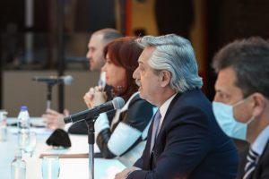 Fernández dijo que cumplió con la promesa de sacar al país del «laberinto» de la deuda