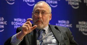 Según economistas de renombre, el FMI debería aplicar programa de recompra para aliviar a países