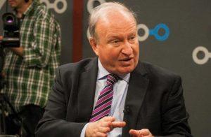 Constitucionalista criticó el decreto del Gobierno que prohíbe encuentros sociales